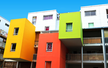 immeubles colorés