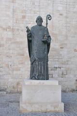 Statua San Nicola di Bari