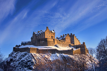 Fotobehang Kasteel Edinburgh Castle In Winter Sunset
