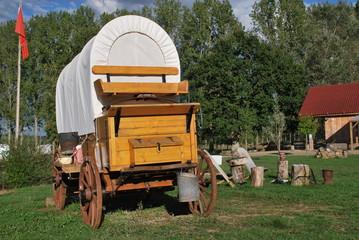 campement de cowboy en roulotte