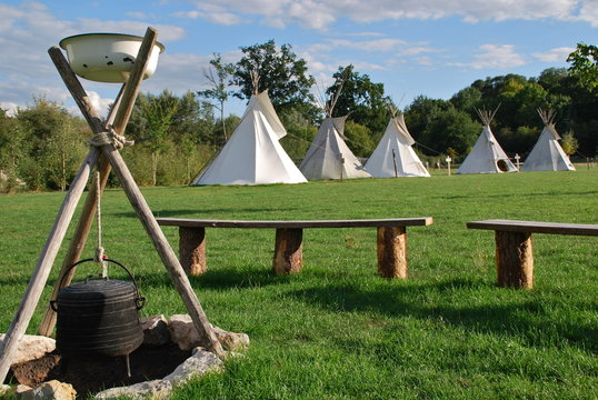 Camping Tipis indiens