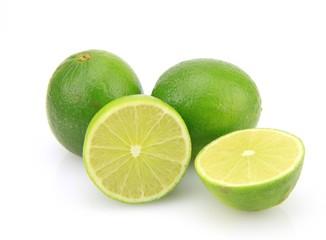 citron vert sur fond blanc