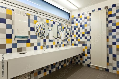 Bagno moderno colorato immagini e fotografie royalty free su file 37735143 - Bagno moderno colorato ...