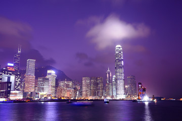 Fotorolgordijn Violet Hong Kong skyline at night