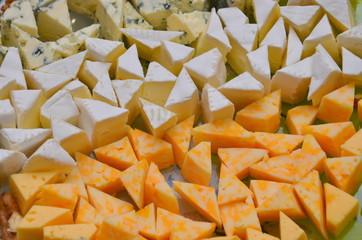 Три вида сыра крупным планом