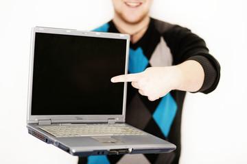 Laptop mit Finger