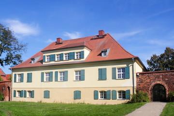 Bürgermeisterhaus mit Burgmauer