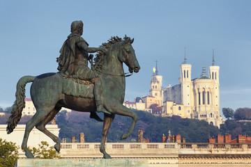 statue and basilaca