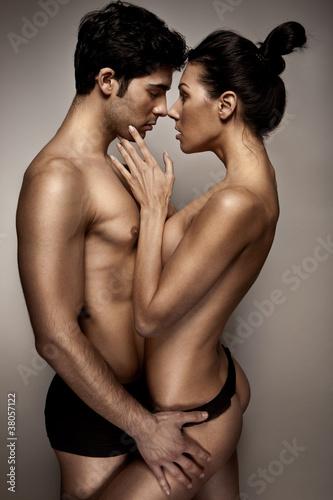 Амбициозные дамы без постоянных интимных партнеров  165577