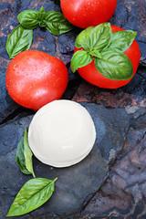 Fresh Caprese Salad Ingredients