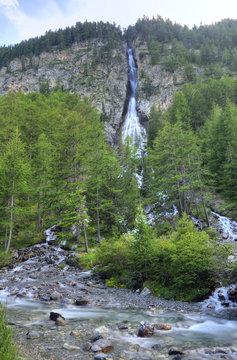 pisse waterfall