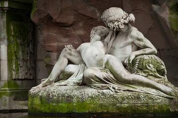 statue fontaine jardin du Luxembourg à Paris
