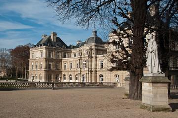 Sénat jardin du Luxembourg à Paris