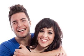 Alegría en la pareja abrazada