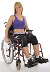 Junge Frau sportlich im Rollstuhl