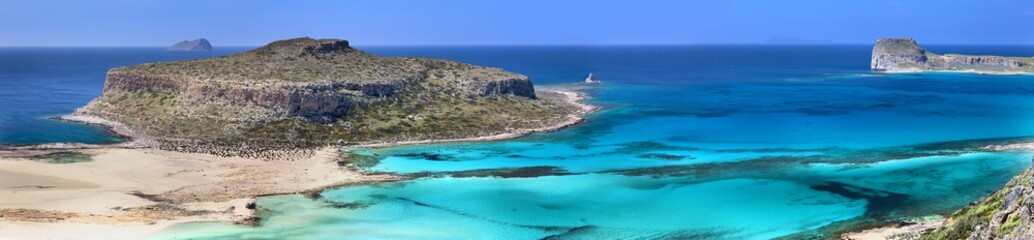 Stunning beach in Crete (Greece)