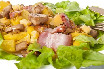 warm salad of potatoes, mushrooms, bacon and cheese