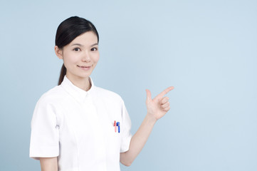 女性の看護士/お知らせ
