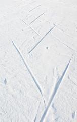 Fototapete - Trace of skier running free technique (skate skiing)