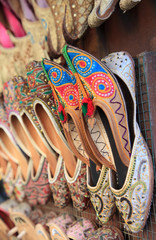 Traditional Arabic shoes for sale in Dubai