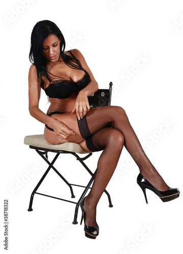 Quot Assise Sur Une Chaise Quot Photo Libre De Droits Sur La