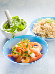 shrimp with rice and arugula