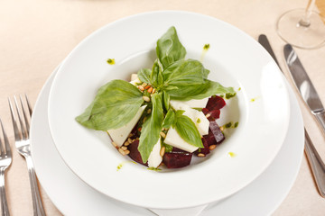 salad with beet and basil