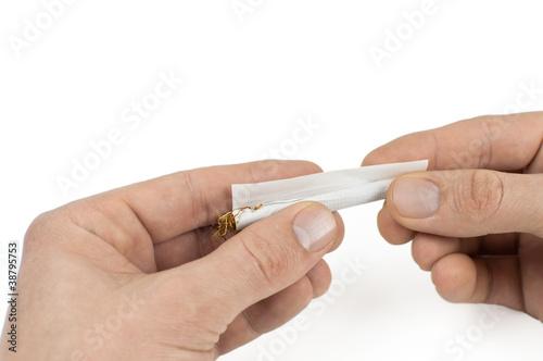 Zigarette Drehen