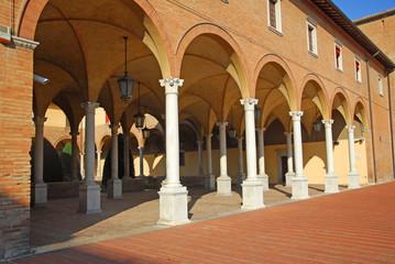 Forli San Mercuriale portico