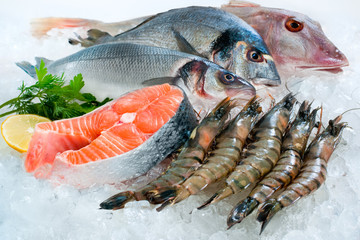 Photo sur Plexiglas Poisson Seafood on ice