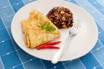 Omlete with rice