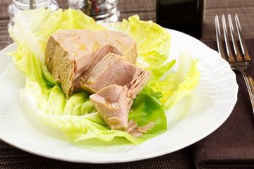 Tuna and lettuce