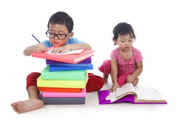 Fotobehang - Kids studying