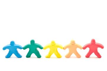 並んだカラフルな人形