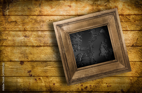 quadro bagnato contro parete di legno immagini e fotografie royalty free su file. Black Bedroom Furniture Sets. Home Design Ideas