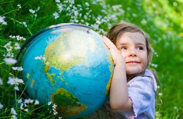 Kind mit dem Globuss