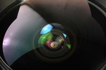 lentilles et diaphragme d'un objectif photo