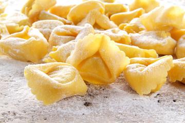 pasta fresca tortellini all'uovo freschi