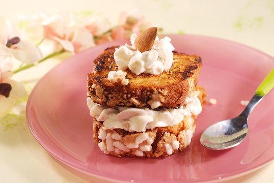Colomba''s sweet toast and cream cheese