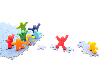 Teamwork puzzle - Rettung des kleinen gelben Freundes