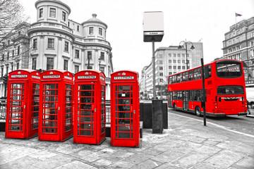 Obraz Czerwone budki telefoniczne i piętrowy autobus, Londyn, Wielka Brytania - fototapety do salonu