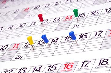 Kalender mit Pins  #120304-004