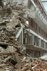 Demolition of a block of flats