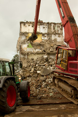 Demolishing a block of flats