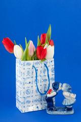 Dutch souvenir bag with tulips