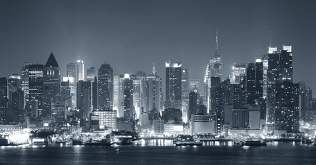 Fototapete - New York City nigth black and white