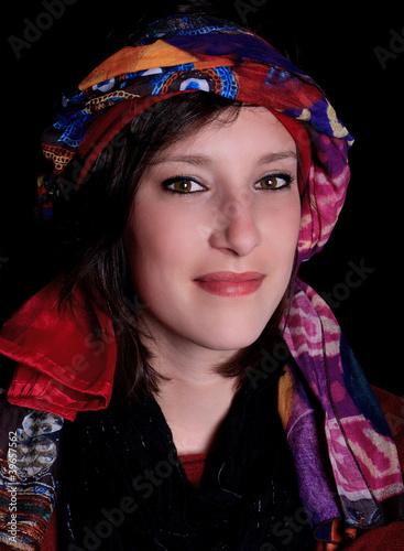 femme avec un foulard sur la t te stock photo and royalty free images on pic. Black Bedroom Furniture Sets. Home Design Ideas