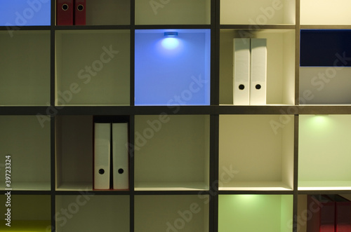 moderner schrank mit led beleuchtung stockfotos und. Black Bedroom Furniture Sets. Home Design Ideas