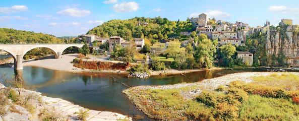 Papiers peints Orange Village d' Ardèche