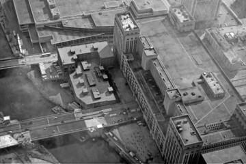 Finance District - Grunge Vintage Style